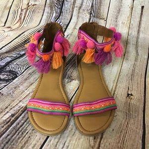 Girls 3 tassel Pom ankle sandal 🌺